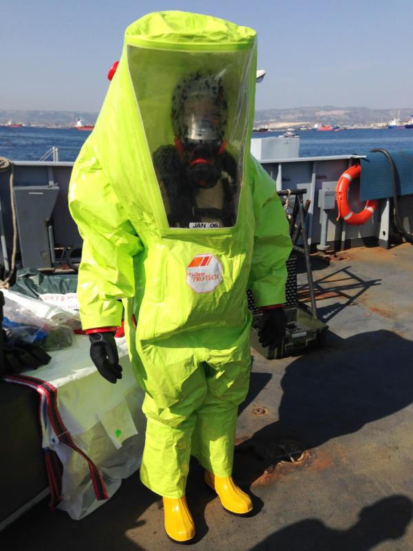 Fig. 3. ItRC MC Operator dressing an entire protective suit for HAZMAT category.